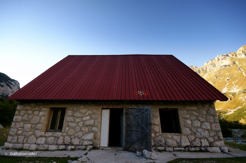 Planinarski Dom Skrka