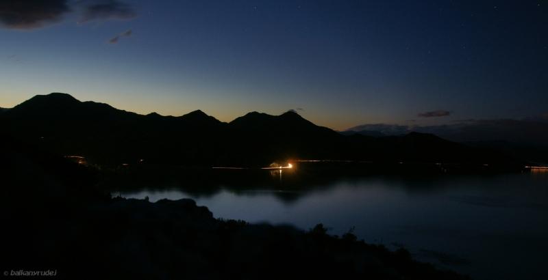 Wyspa Varnijna by night