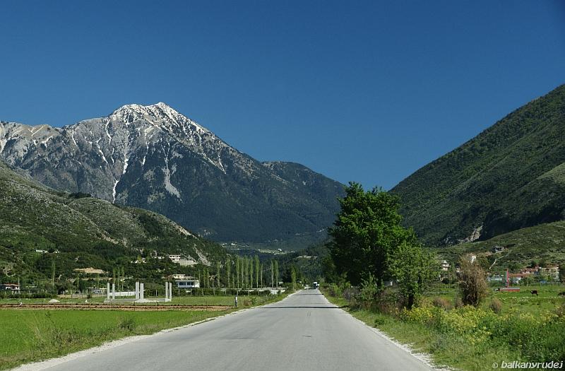 w drodze na przełęcz Llogarase