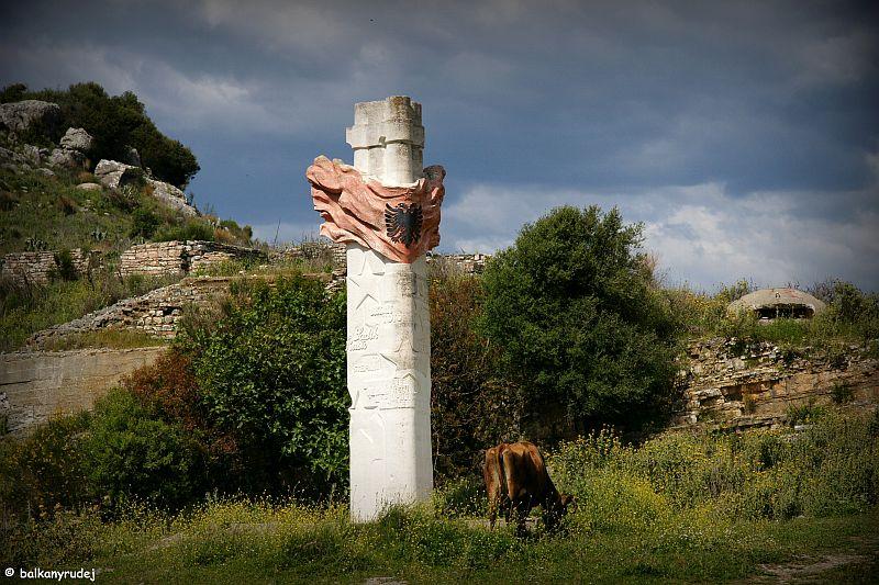 pomnik Albania