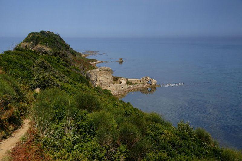 ruiny zamku Rodonit