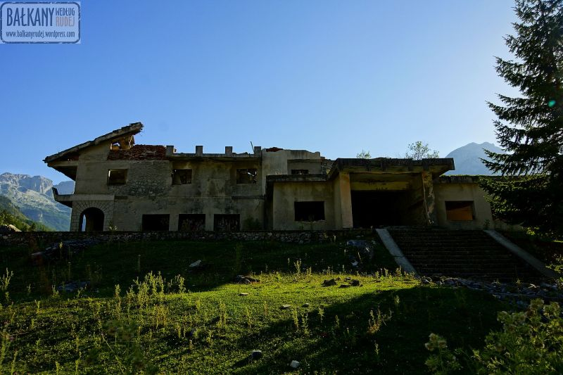 ruiny hotelu Valbona